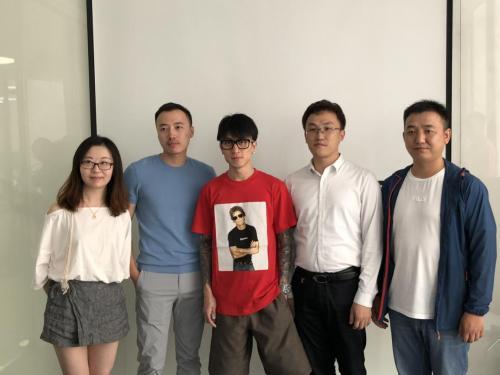 南京金肯学院领导到上海奋荣集团参观,就电竞教育合作