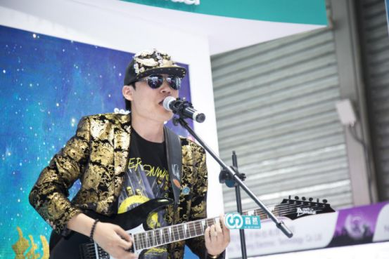 上海展持森然音效精灵续发力 音乐人祁