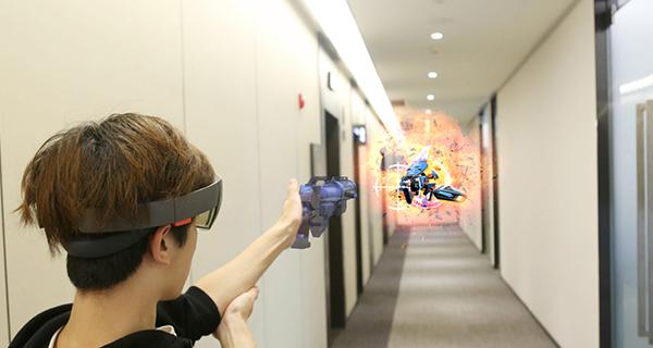 携手微软,7invensun在CES上推出眼球追踪AR智能终端