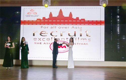 众力聚则万钧举:亚洲电影节组委会成立 亚洲电影人共话发展